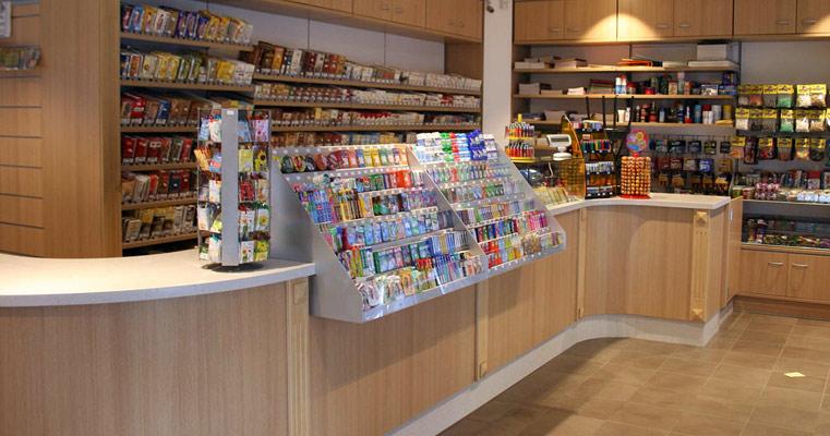 arredamenti salconi - arredamenti componibili per negozi - Arredamento Moderno Tabaccheria